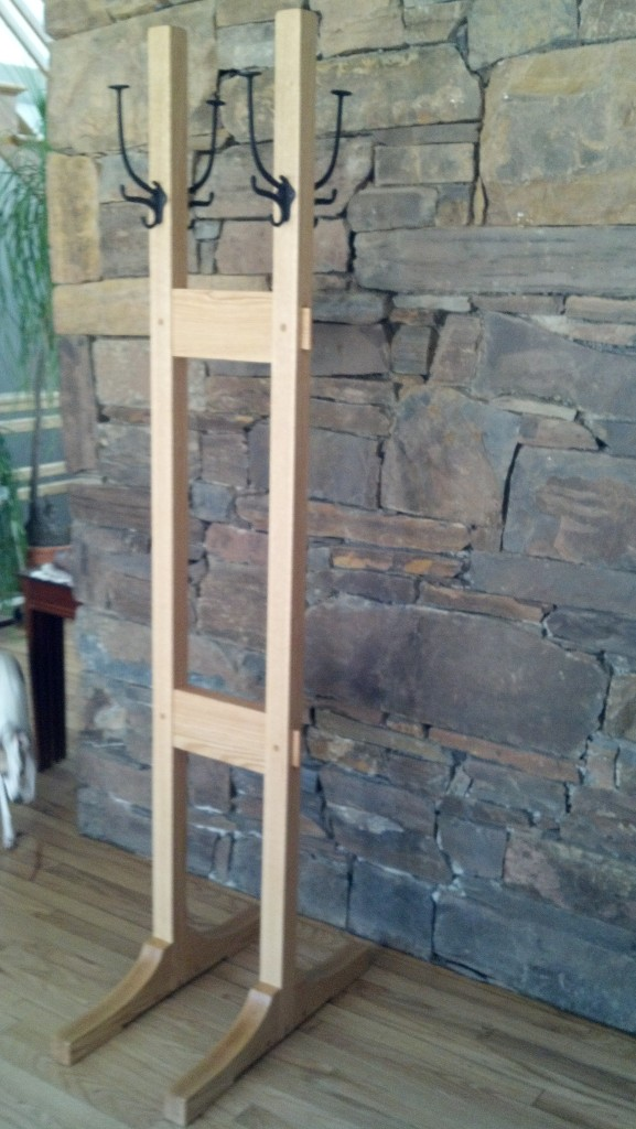 Handmade oak coat tree by No Walls Studio